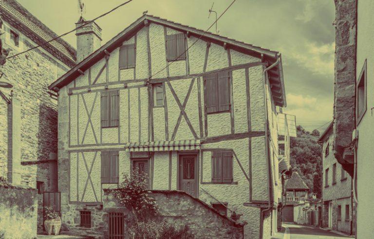 9_Rue_Saint-Cyr_in_Saint-Cere_01_wikipedia